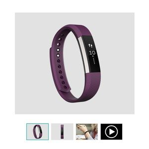 Fitbit Alta!  Sz Small.  Less than 3 months old!